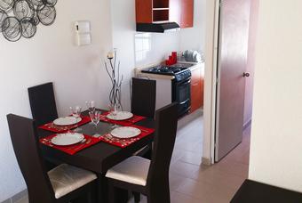 Amplio comedor en casa Jaspe Plus de Hogares Unión Valle del Pedregal.