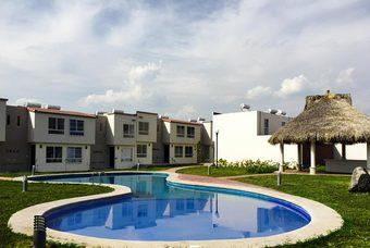 Exclusiva alberca de casa modelo Onix Plus en Valle del pedregal en Morelos